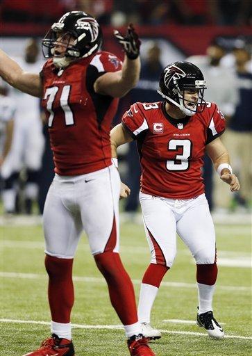 Matt Bryant, kicker dos Falcons, rejubila após marcar o FG vitorioso