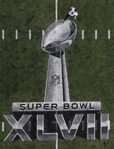 Justin Tucker corre sobre o símbolo do Super Bowl