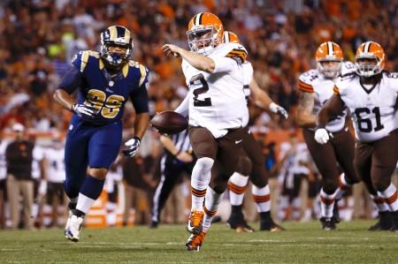 Johnny Manziel faz o seu primeiro touchdown como profissional