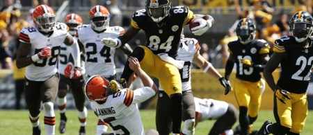 Antonio Brown kicks Spencer Lanning in the face