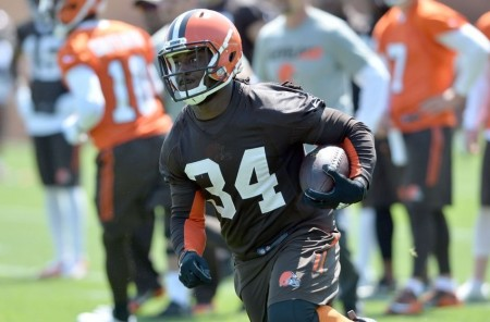 Isaiah Crowell parece ser o líder do backfield de Cleveland