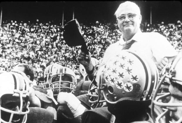 "Woody Hayes, o homem que cunhou a expressão ""That Team Up North"""