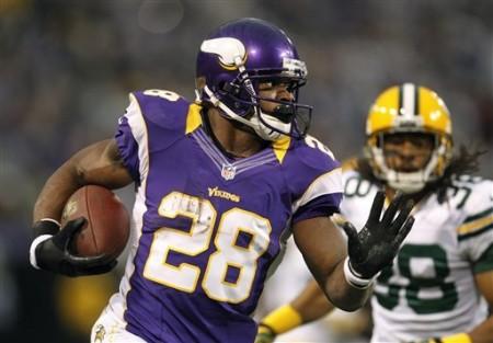 Homem do jogo e candidato a melhor jogador da temporada regular. Adrien Peterson é a alma dos Vikings