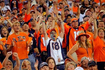 Fãs dos Denver Broncos